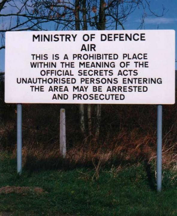 Base MOD warning sign