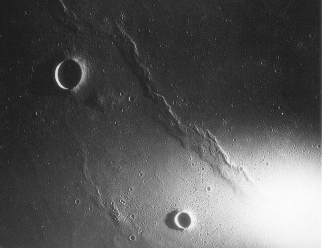 Apollo-12-Darkside
